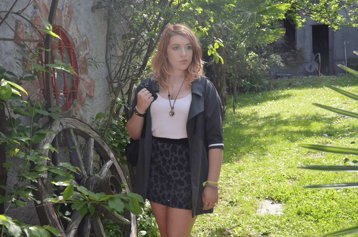 federica outfit grey summer white fashion dupes black leopard look