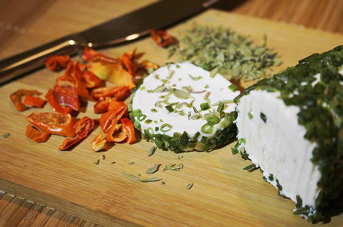 formaggi la chiara d'uovo kiki tales food blogger ricetta recipe homemade in casa cheese cover 2