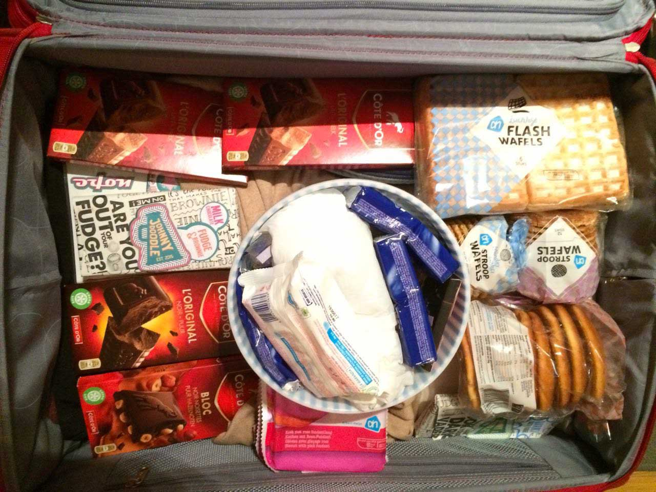 valigia piena di dolci