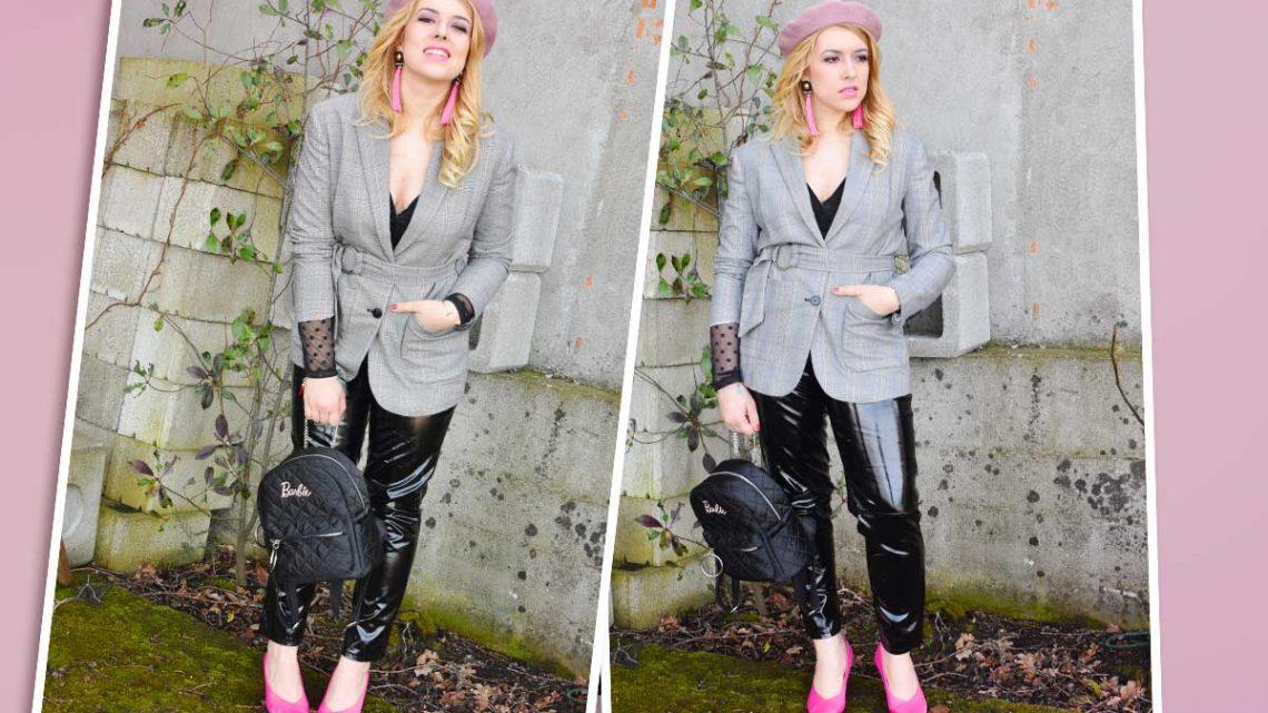 Come abbinare rosa e nero barbie look outfit primavera principe di galles vinile nero total black rosa basco zaino