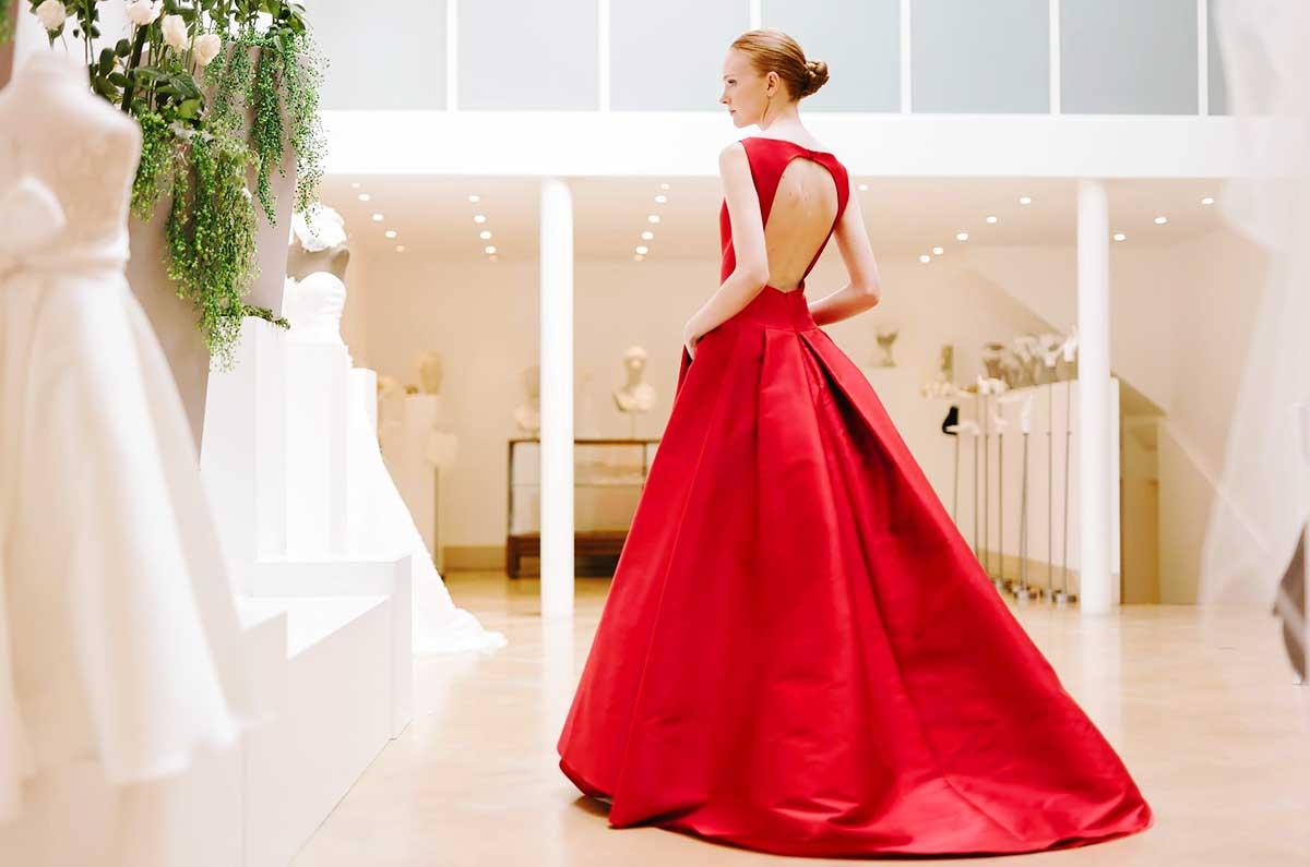 abito da sposa rosso scollo abiti da sposa parigini cymbeline paris 2019