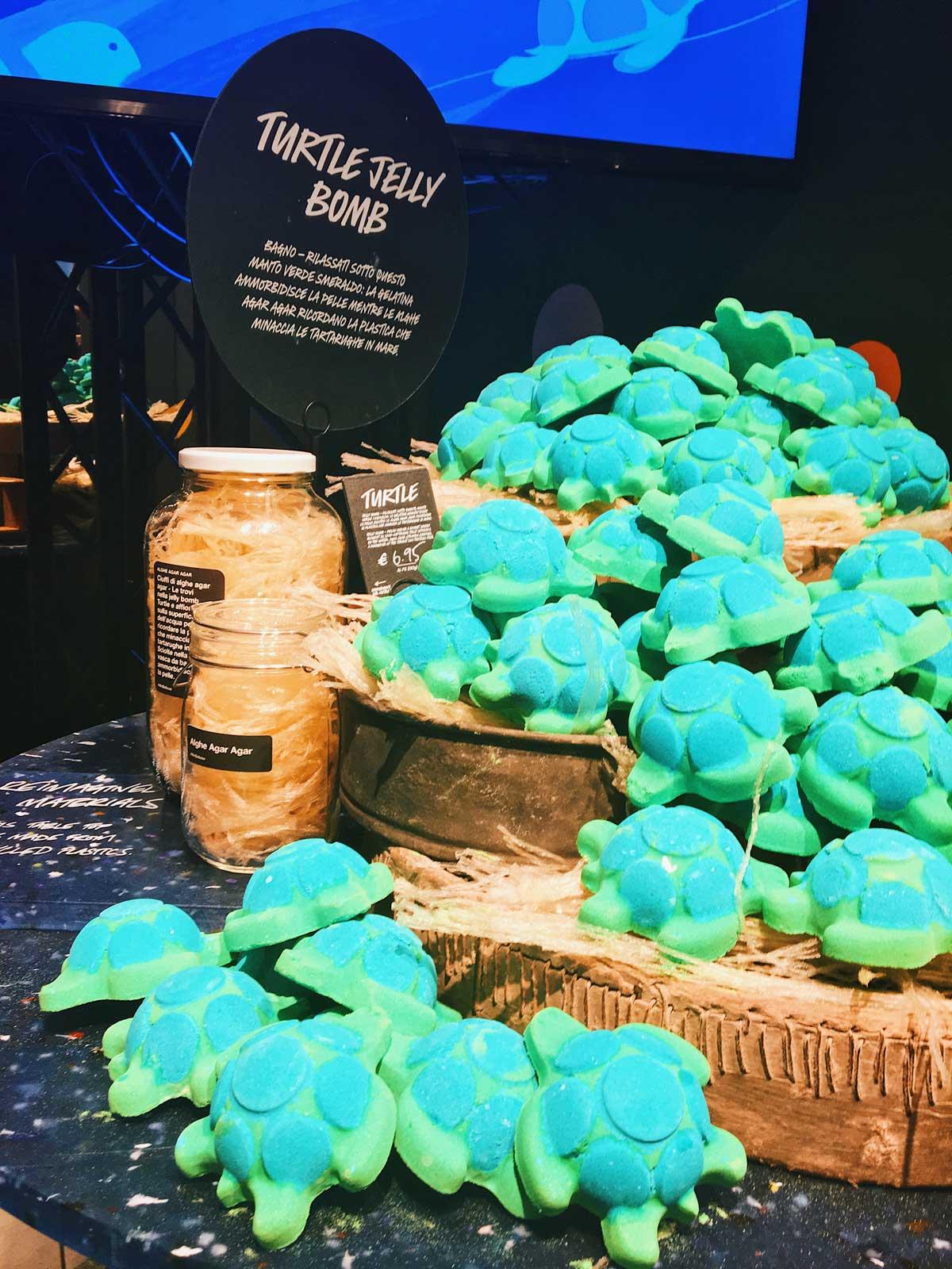 turtle jelly bomb lush naked shop via torino