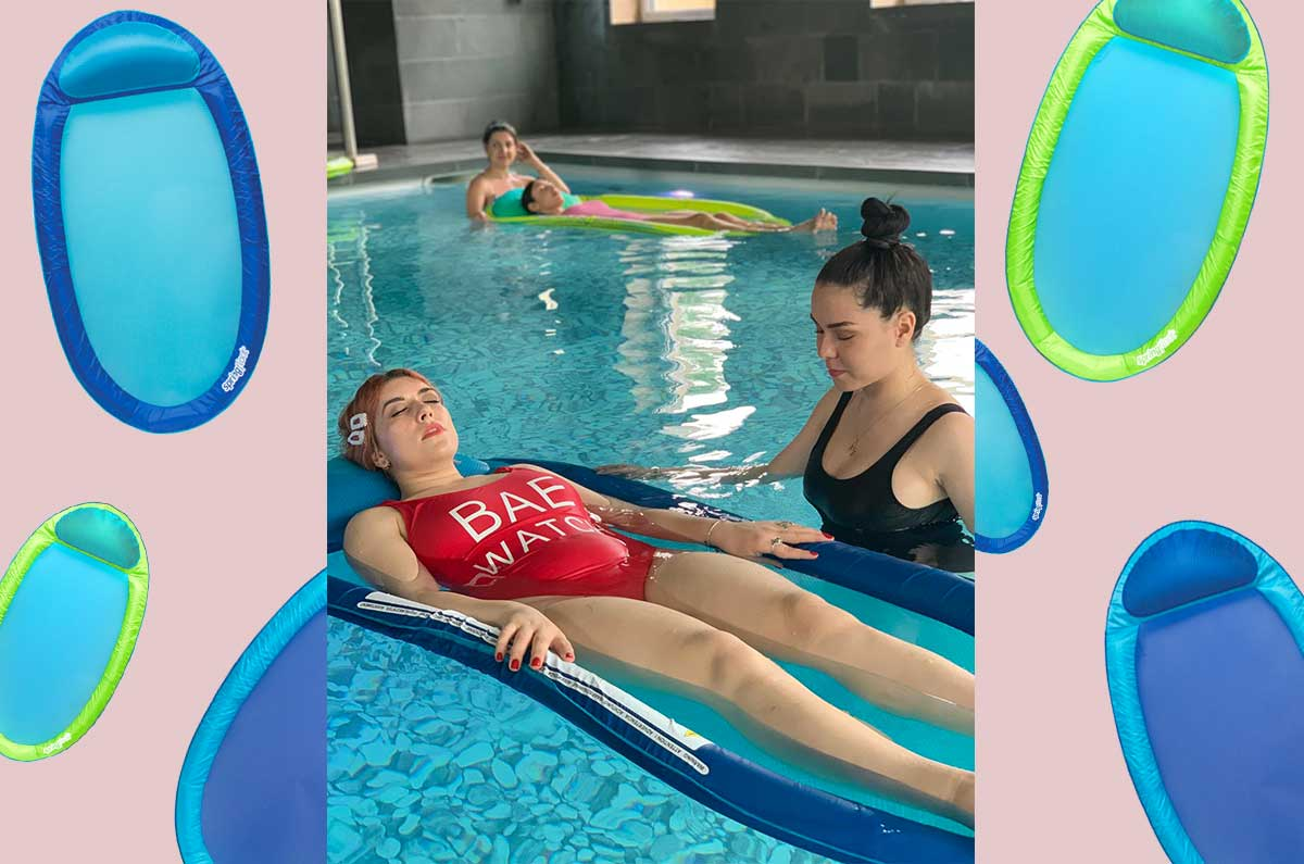 l'amaca galleggiante di Swimways per rilassarsi in acqua