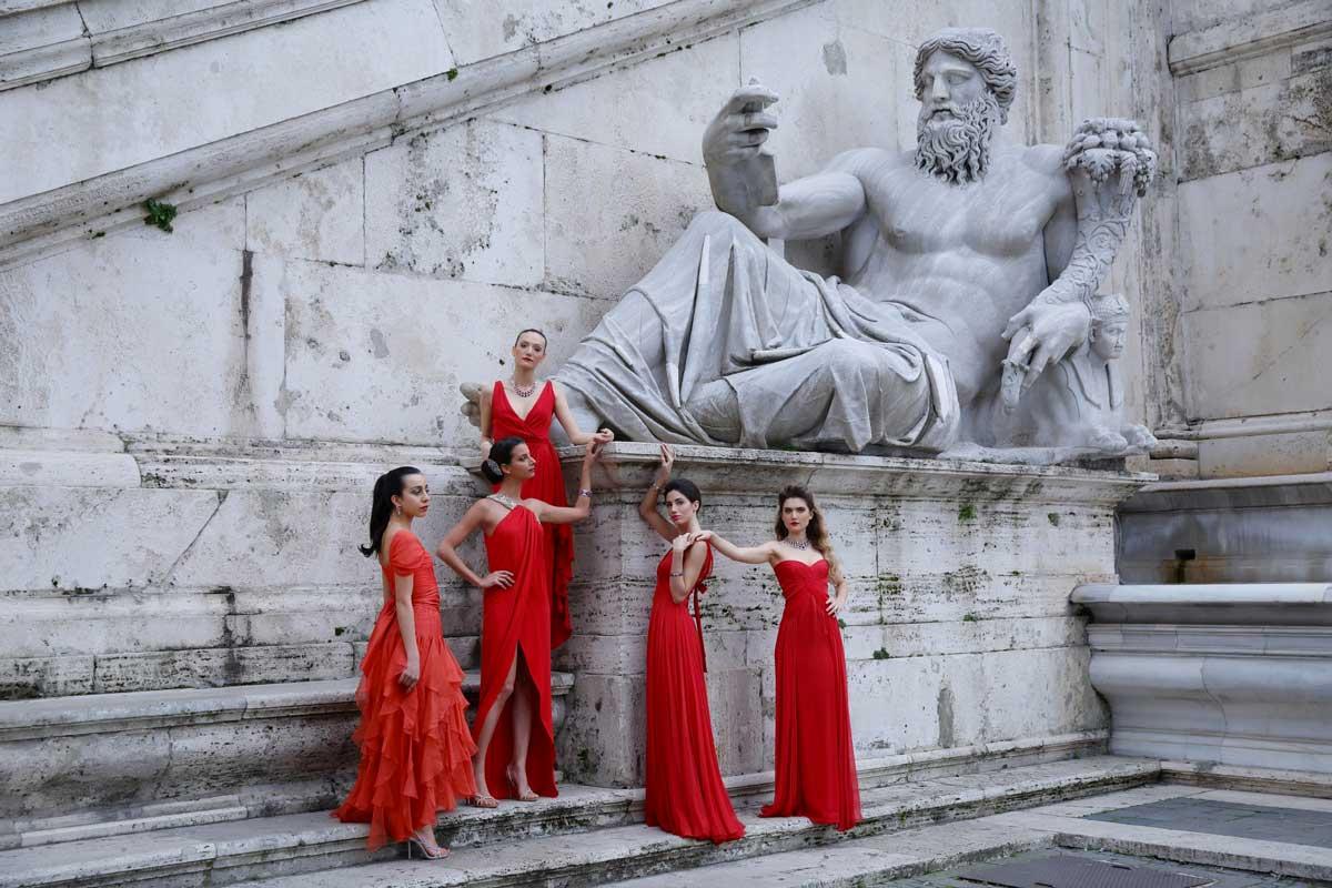 servizio fotografico per Valentino - serie tv Made in Italy