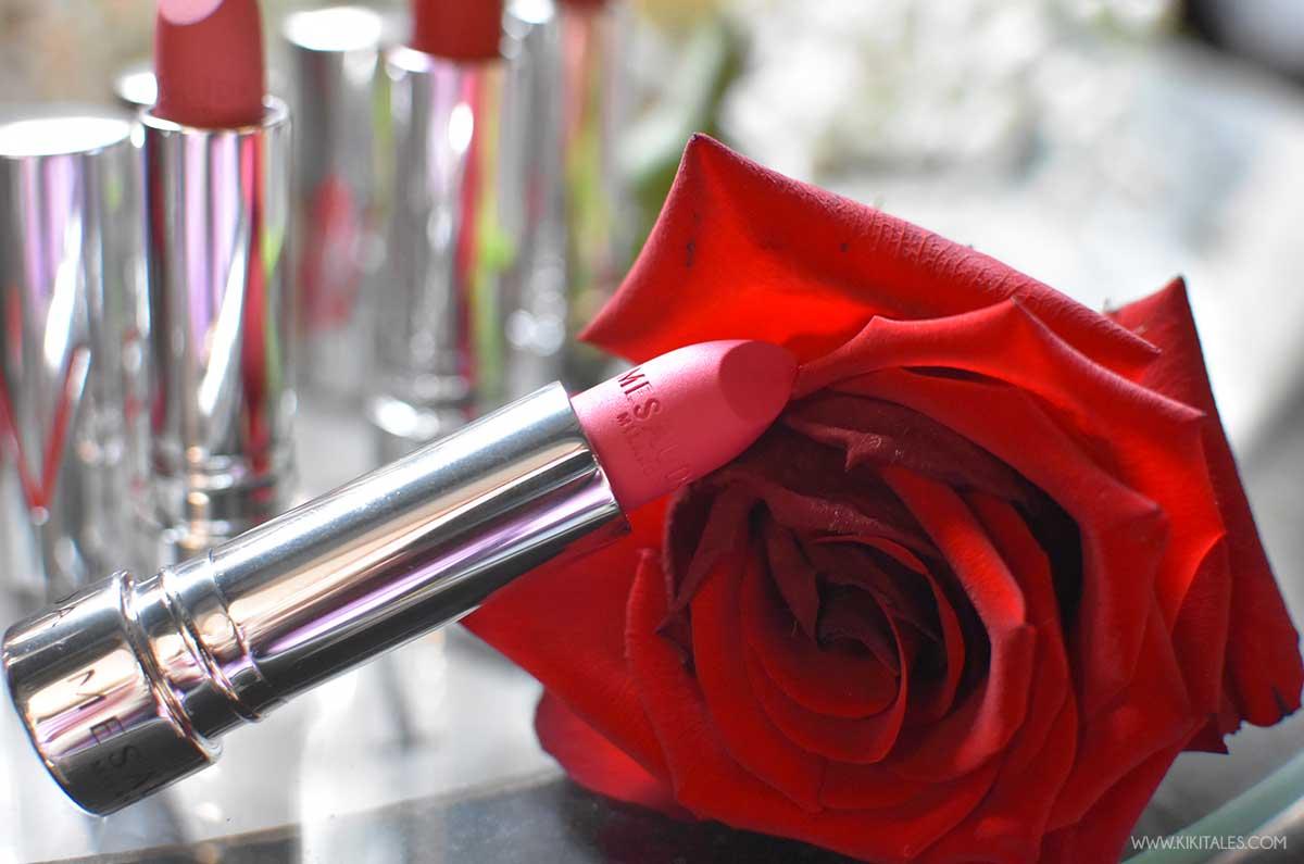 Packaging ricercato per un rossetto romantico