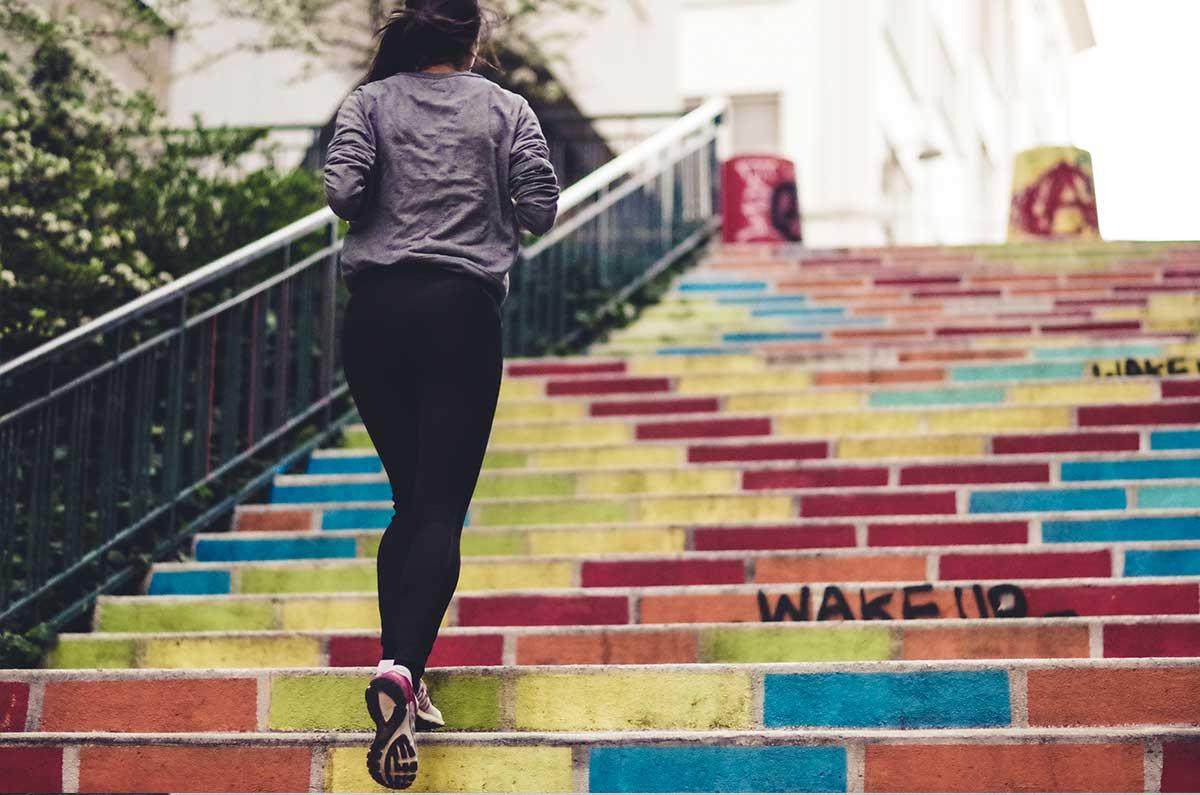 Sfruttate le scale di casa per allenarvi e fare step