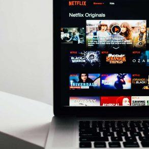 Come usare Netflix Party: film e serie tv con gli amici a distanza